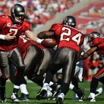 Buc's QB Jeff Garcia hands off to RB Cadillac Williams