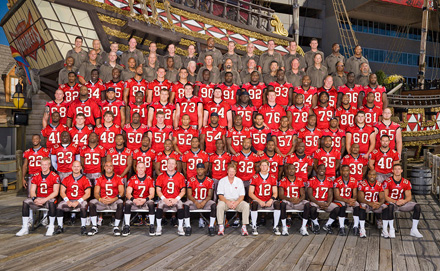 07_Bucs_Team_Photosm