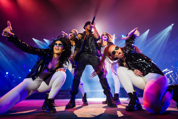 Ne-Yo Performs in Manchester on the 2013 UK R.E.D. Tour. (Photo by Jeff Lombardo)